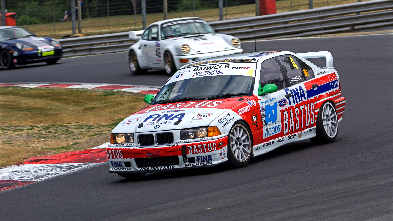 Classic Sports Car Club Racing - Big WOW